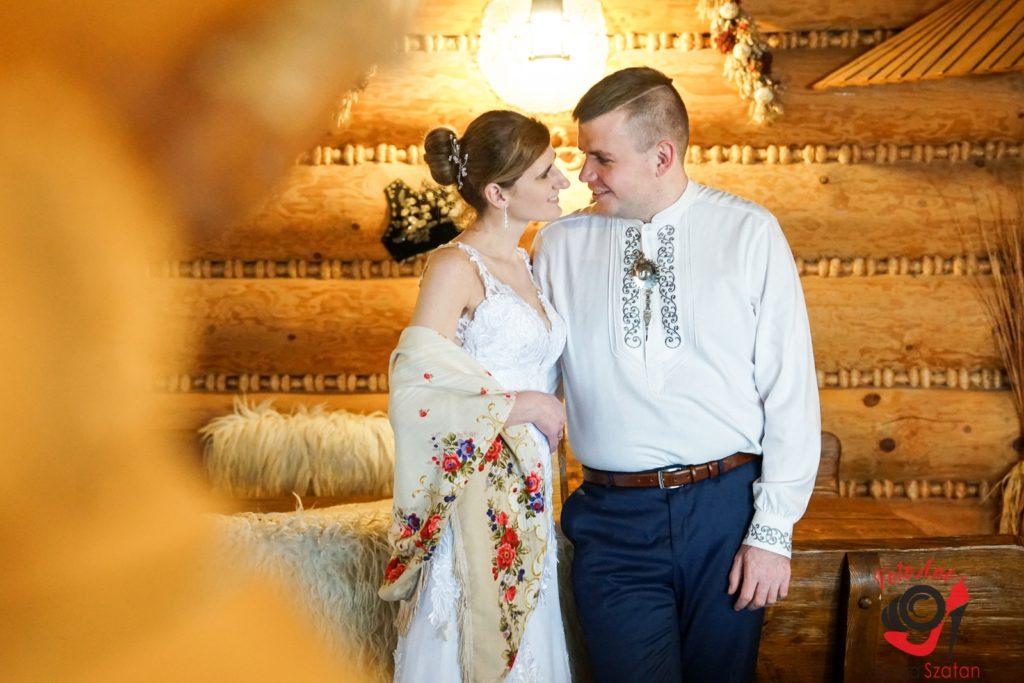 Sesja ślubna w zimie - FotoAno